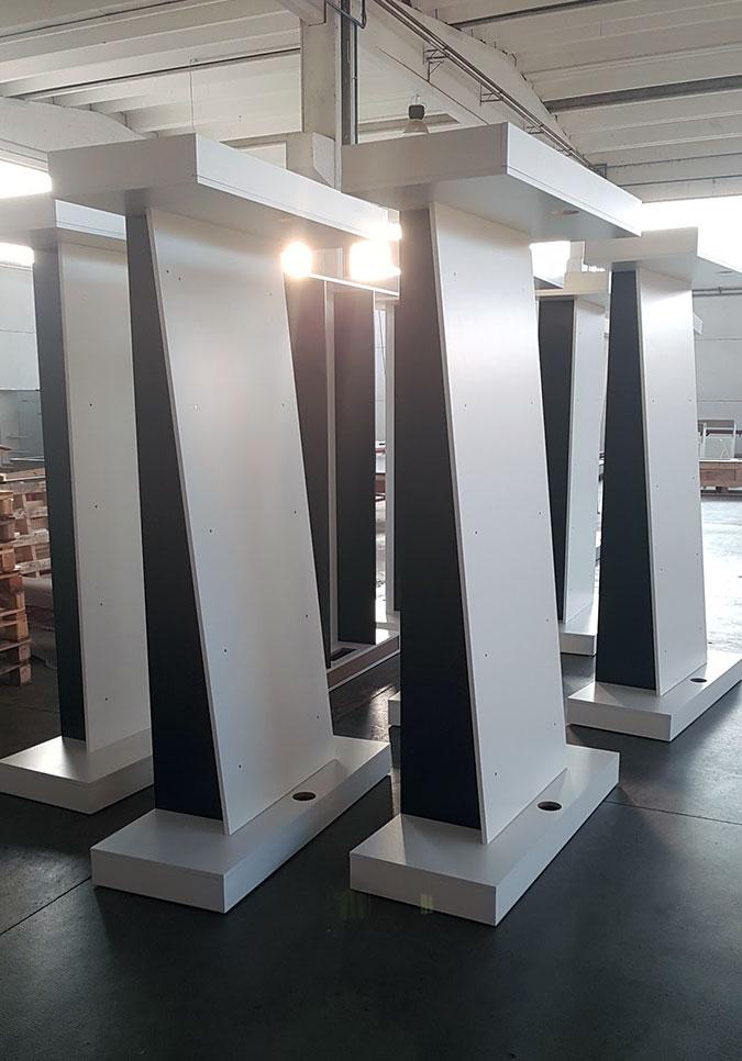 SEPA Espositori e allestimenti per spazi commerciali e museali
